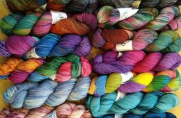 Intown Quilters Fabric & Yarn